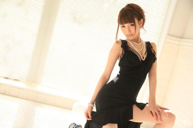 セクシーな黒ドレス