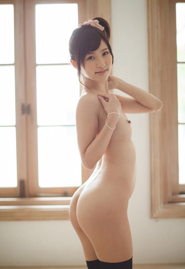 全裸ニーソ!